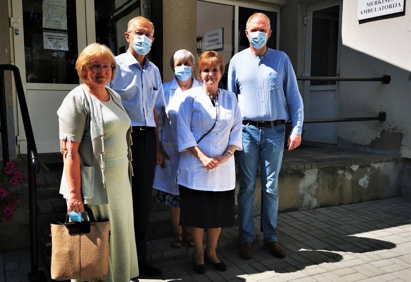 Liepos 2 d. Varėnos rajono savivaldybės meras Algis Kašėta lankėsi VšĮ Varėnos PSPC Merkinės filiale.